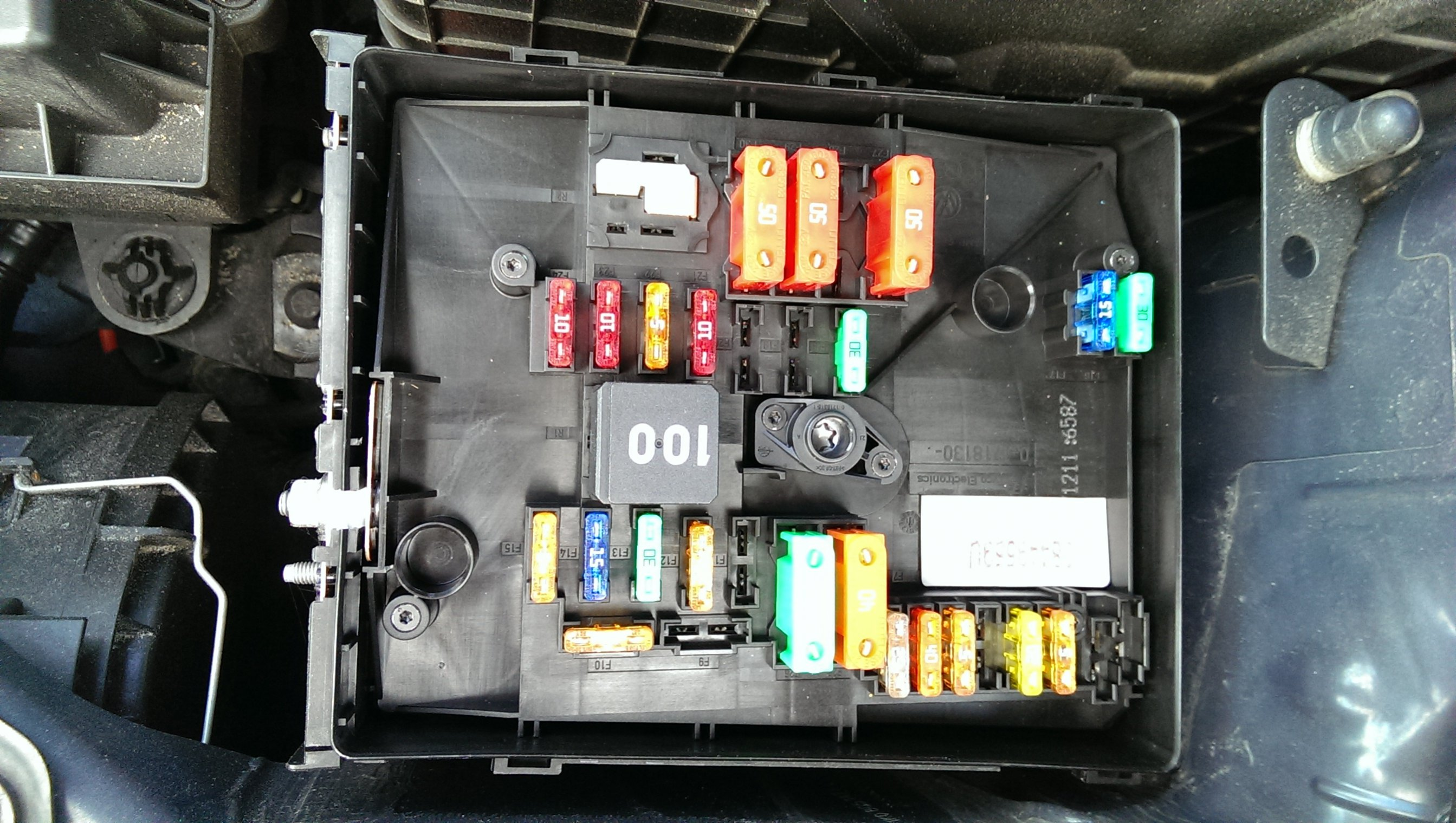 Vw Tiguan Fuse Box Manual Of Wiring Diagram 2011 2012 Volkswagen Hyundai Genesis 2015 2010 Location