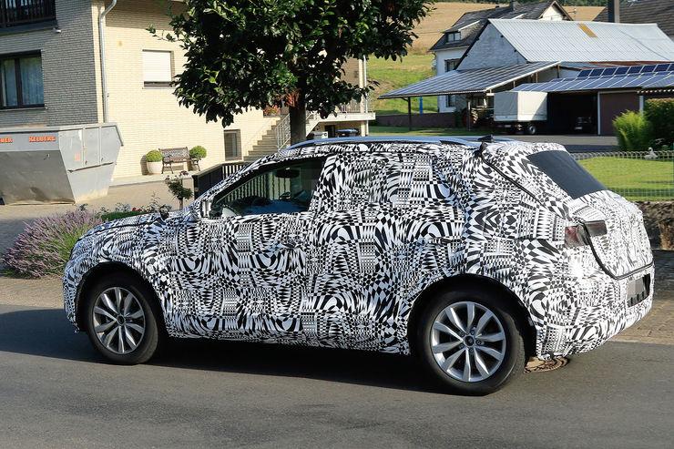 Namn:  Erlkoenig-VW-Polo-SUV-fotoshowBig-c70c6468-969006.jpg Visningar: 439 Storlek:  135.2 KB