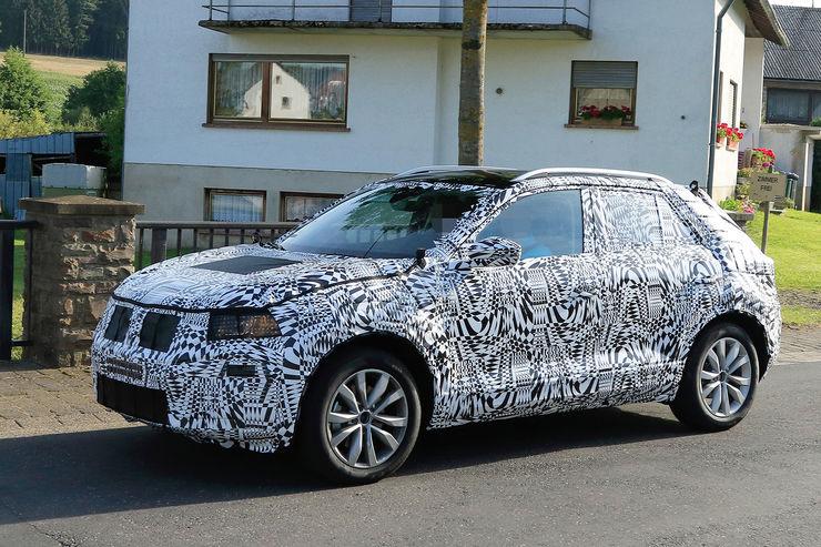 Namn:  Erlkoenig-VW-Polo-SUV-fotoshowBig-ecfbc377-969003.jpg Visningar: 737 Storlek:  117.2 KB