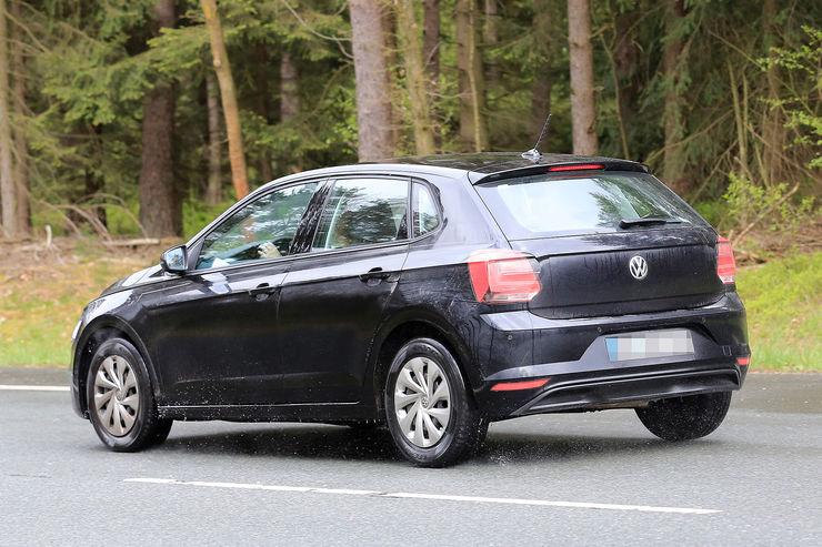 Namn:  VW-Polo-Erlkoenig-fotoshowBig-a5d9b521-1069991.jpg Visningar: 783 Storlek:  95.7 KB