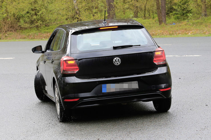 Namn:  VW-Polo-Erlkoenig-fotoshowBig-632c3c87-1069994.jpg Visningar: 791 Storlek:  90.8 KB