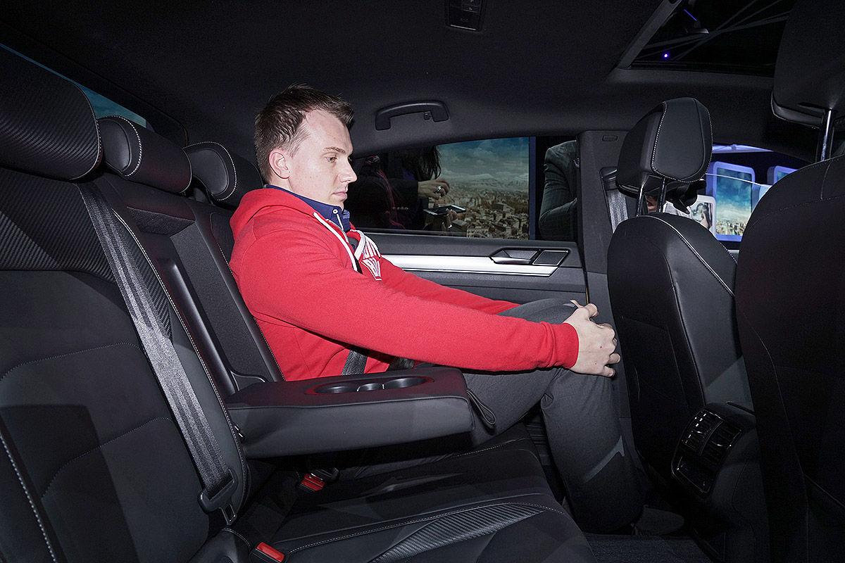 Namn:  VW-Arteon-CC-II-2017-Alle-Infos-1200x800-c5cabf3bdc64a336.jpg Visningar: 1789 Storlek:  171.9 KB