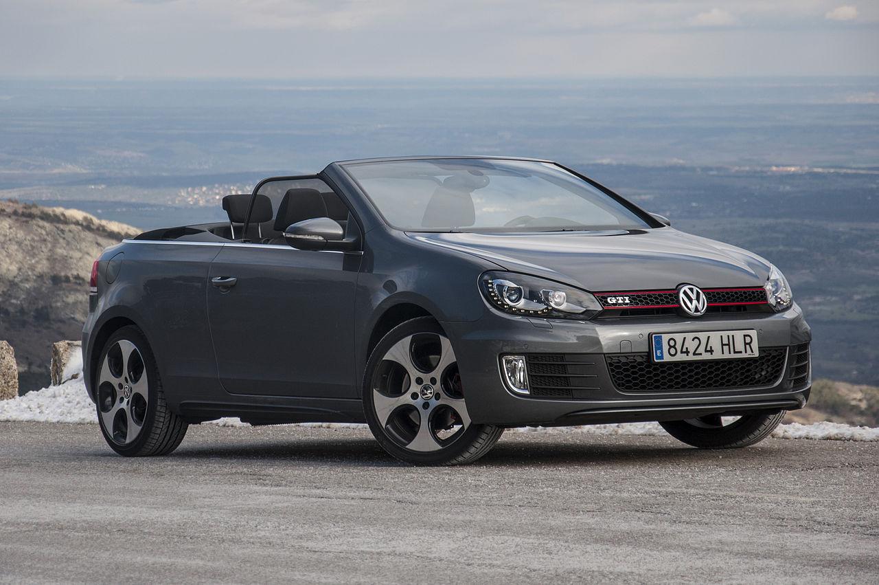 Namn:  2013_Volkswagen_Golf_GTI_Cabrio_(10052707673).jpg Visningar: 222 Storlek:  172.9 KB