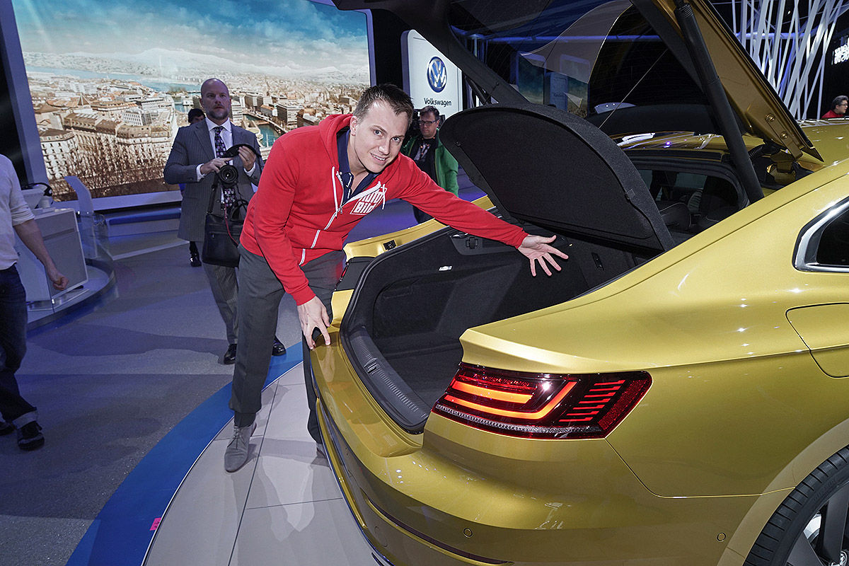 Namn:  VW-Arteon-CC-II-2017-Alle-Infos-1200x800-79856ebd293d1c33.jpg Visningar: 2210 Storlek:  229.9 KB