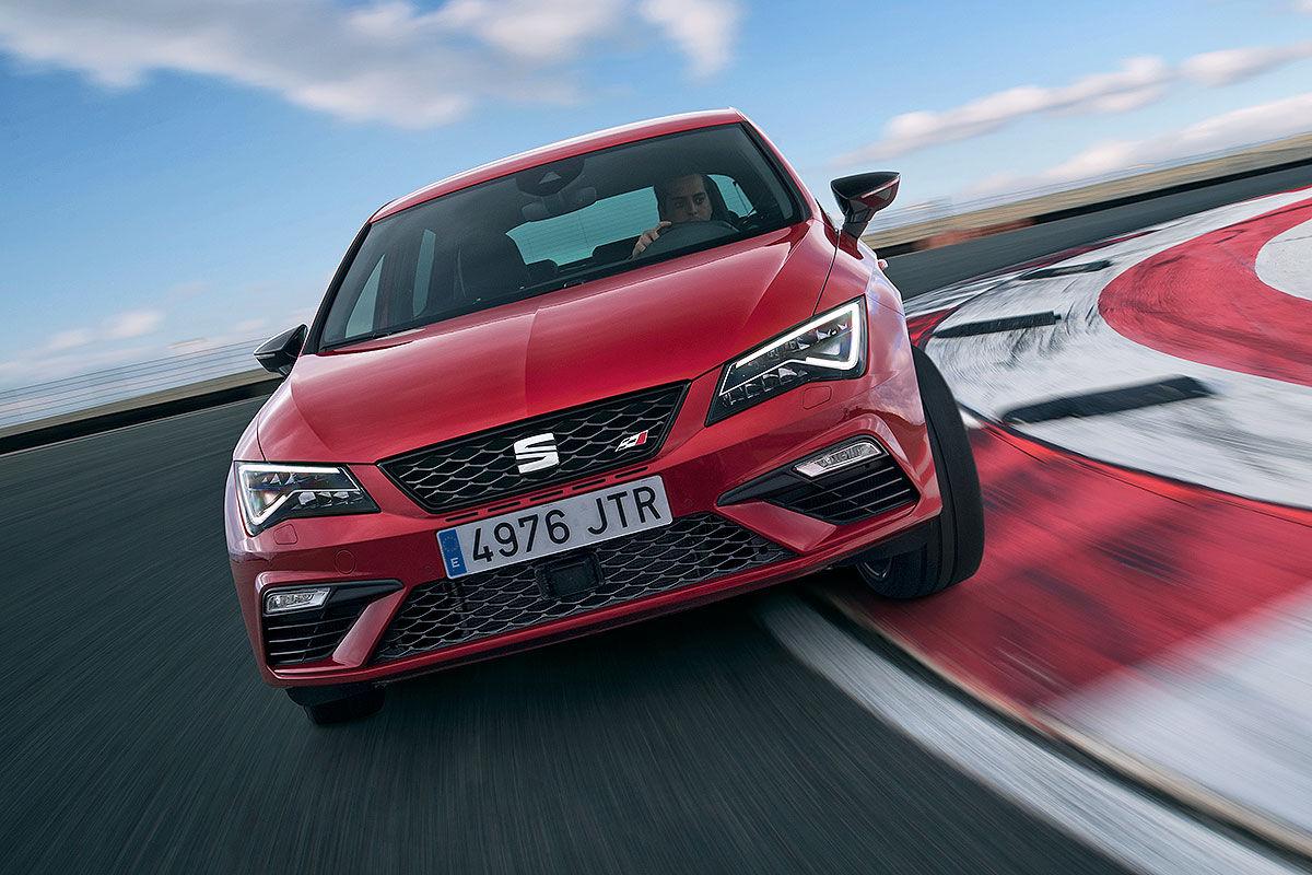 Namn:  Seat-Leon-Cupra-Facelift-2017-Vorstellung-1200x800-0a26d77e10692753.jpg Visningar: 1563 Storlek:  183.6 KB