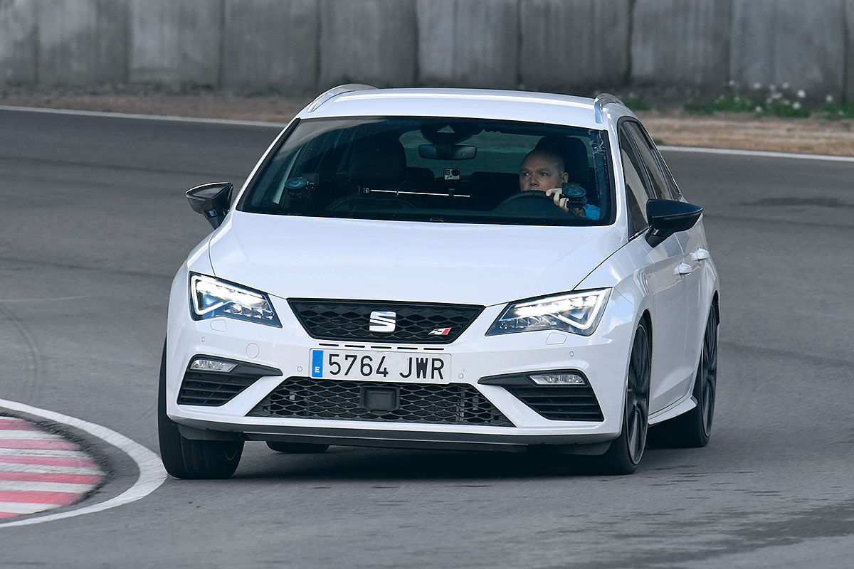 Namn:  Seat-Leon-Cupra-Facelift-2017-Vorstellung-1200x800-52758d07118c2d92.jpg Visningar: 2558 Storlek:  154.4 KB