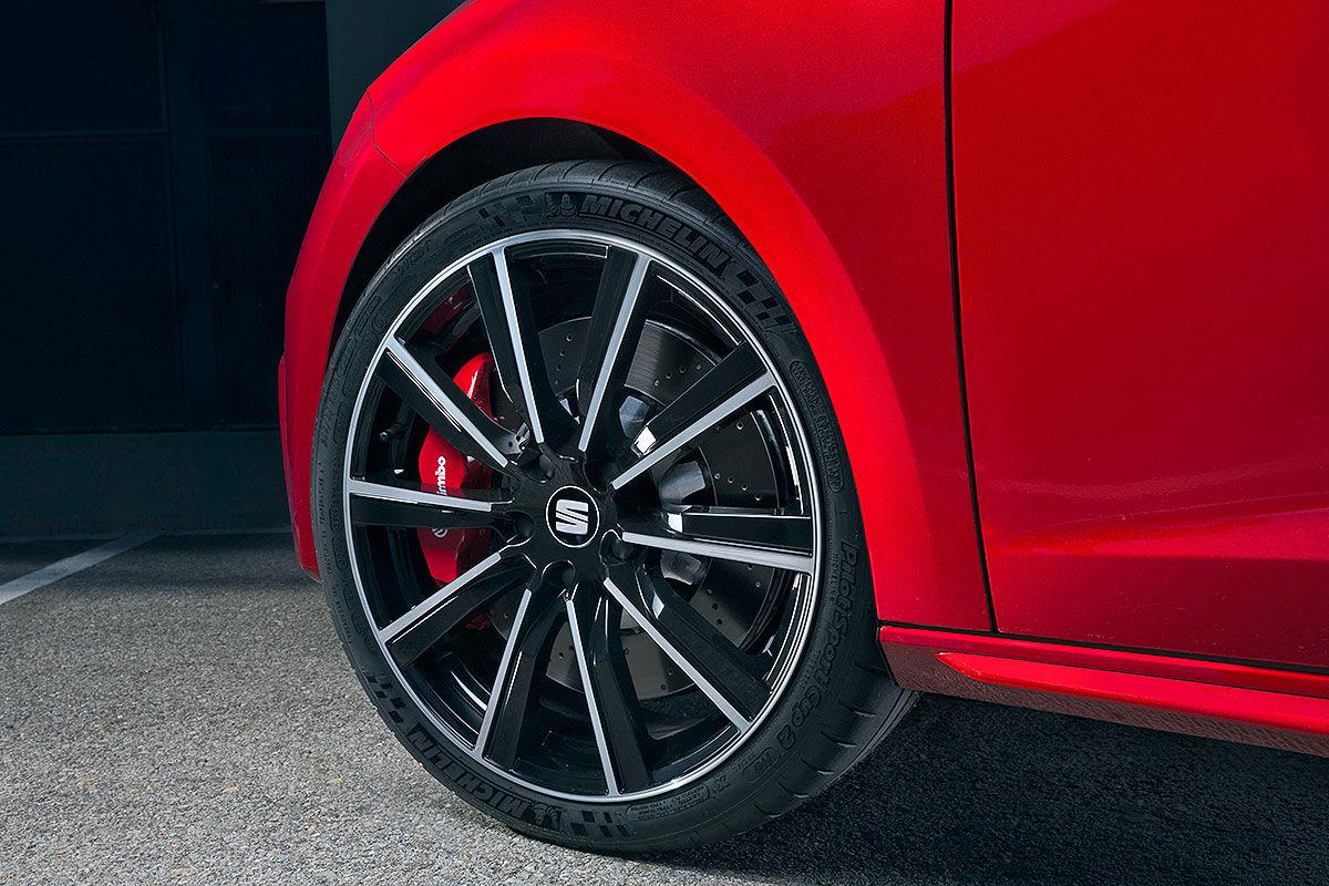 Namn:  Seat-Leon-Cupra-Facelift-2017-Vorstellung-1200x800-1a18849eed63c1f4.jpg Visningar: 1287 Storlek:  210.6 KB