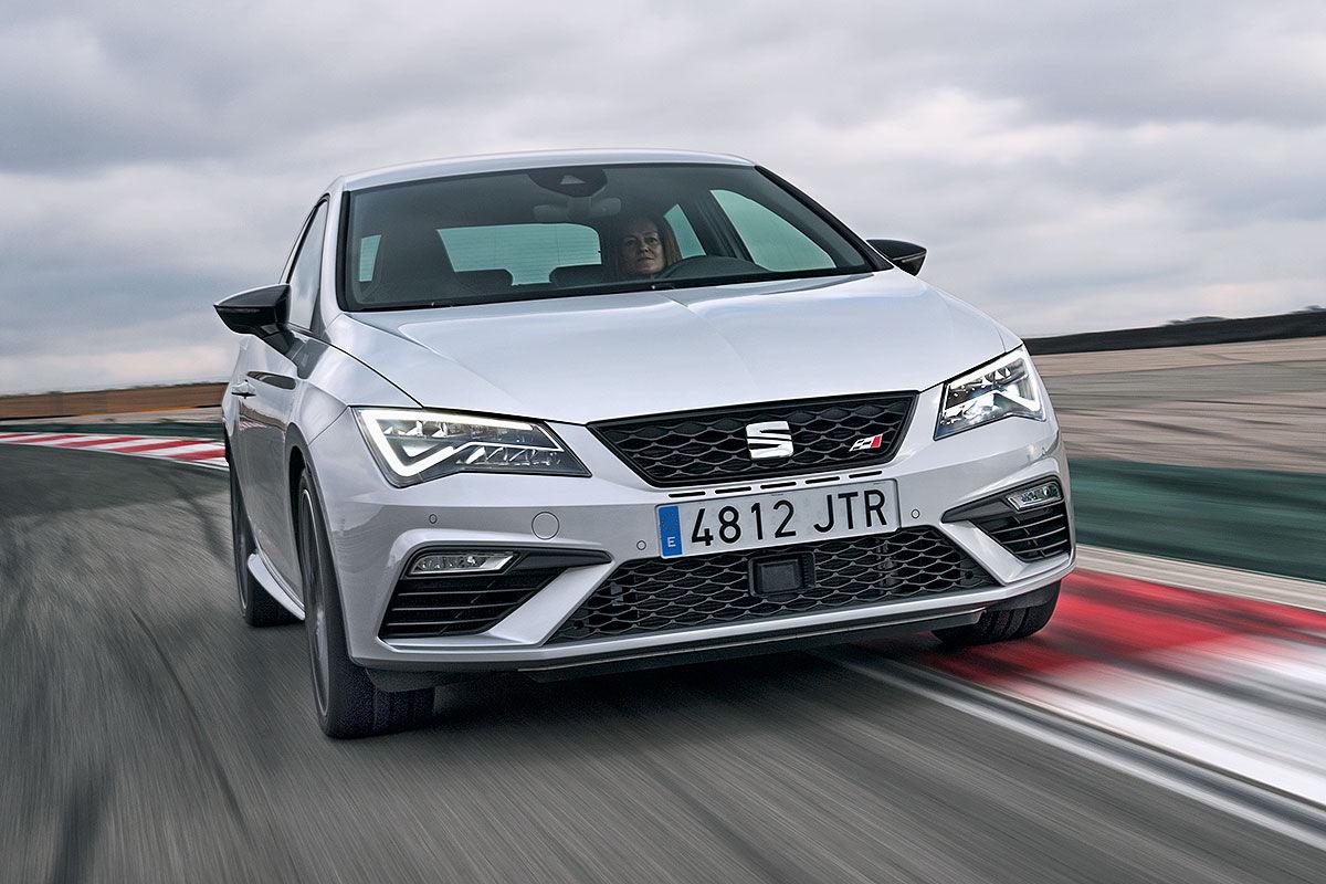 Namn:  Seat-Leon-Cupra-Facelift-2017-Vorstellung-1200x800-58cda7fca0257bf1.jpg Visningar: 1457 Storlek:  154.0 KB