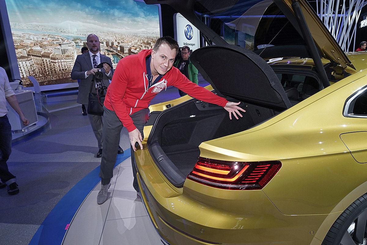 Namn:  VW-Arteon-CC-II-2017-Alle-Infos-1200x800-79856ebd293d1c33.jpg Visningar: 1419 Storlek:  229.9 KB