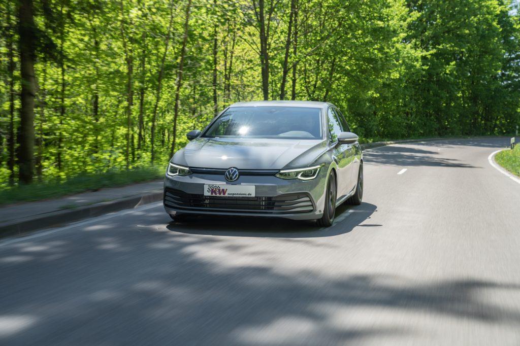 Namn:  low_VW_Golf_8_KW_Variante_3_Fahraufnahme_01-1024x682.jpg Visningar: 451 Storlek:  125.2 KB