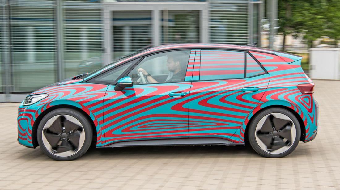 Namn:  VW-ID-3-Fahrbericht-fotoshowBigWide-92ec3e27-1599175.jpg Visningar: 727 Storlek:  113.7 KB